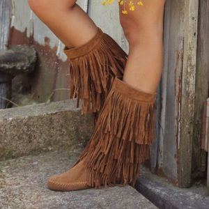 Rampage brand. Sz 7 fringe moccasin boots